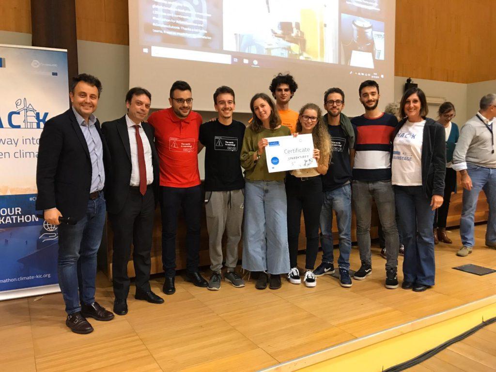 Climathon Torino 2019: primo posto per SpazzaTuret, una soluzione per raccogliere e differenziare i rifiuti della mala movida